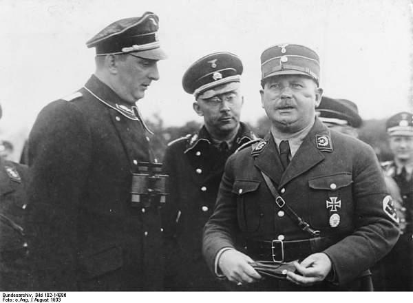 Click image for larger version.  Name:Bundesarchiv_Bild_102-14886,_Kurt_Daluege,_Heinrich_Himmler,_Ernst_Röhm.jpg Views:1317 Size:45.7 KB ID:21174