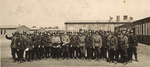 Click image for larger version.  Name:polizei luftschutz.jpg Views:167 Size:187.3 KB ID:216191