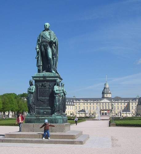 Click image for larger version.  Name:113 Karl_Friedrich_Statue_Karlsruhe.jpg Views:166 Size:215.0 KB ID:217667