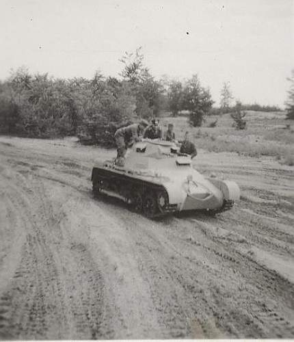 Click image for larger version.  Name:Panzer I -2.jpg Views:75 Size:142.3 KB ID:236657