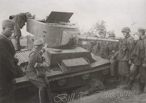 Click image for larger version.  Name:SS w captrd russ KV tank_final.jpg Views:133 Size:91.1 KB ID:237642