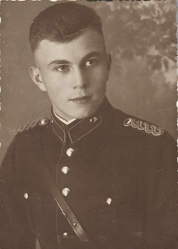 Click image for larger version.  Name:polizei portrait2.jpg Views:93 Size:78.6 KB ID:241582
