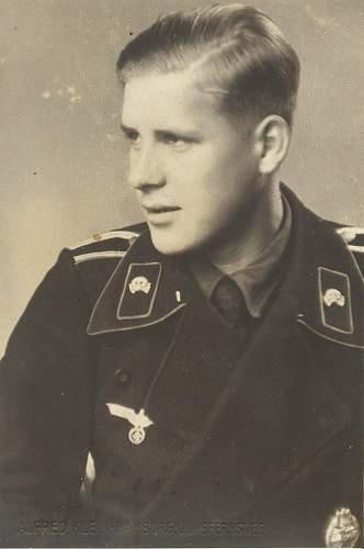Click image for larger version.  Name:Panzerman w pab.jpg Views:392 Size:97.4 KB ID:243821