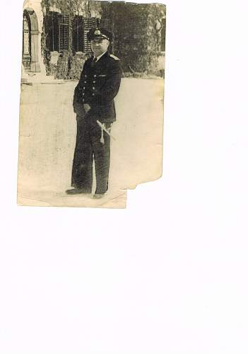 Can anyone help identify this uniform - thought to be German naval commando WW2?