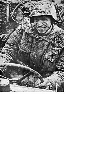 Click image for larger version.  Name:SS-Sturmmann_having_fun_in_the_mud.jpg Views:45 Size:129.2 KB ID:250748