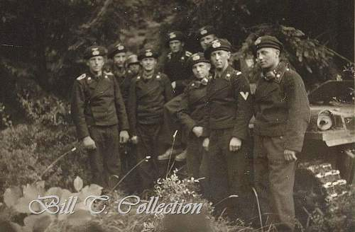 Click image for larger version.  Name:Panzer crew with berets n Pz1_final.jpg Views:561 Size:87.7 KB ID:255385