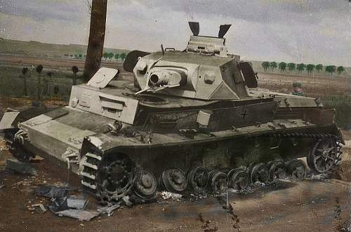 Click image for larger version.  Name:Panzer IV hit by Mine Pz Reg33color.jpg Views:354 Size:68.0 KB ID:255992