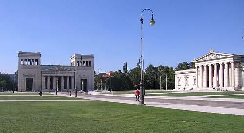 Click image for larger version.  Name:800px-Koenigsplatz.jpg Views:89 Size:72.7 KB ID:304156