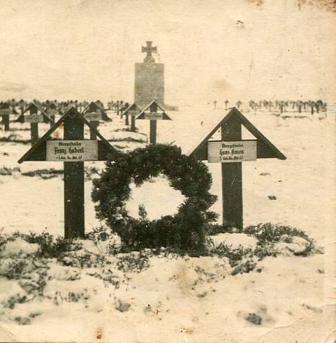 Click image for larger version.  Name:Grave 1-1.jpg Views:67 Size:92.4 KB ID:310381
