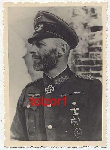 Click image for larger version.  Name:fake general.jpg Views:57 Size:40.7 KB ID:326771