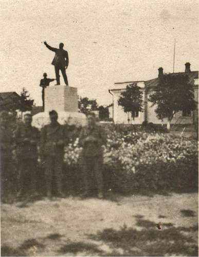 Click image for larger version.  Name:16 inf div monuments.jpg Views:44 Size:100.4 KB ID:335663