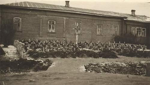 Click image for larger version.  Name:panzer reg 11 graves.jpg Views:80 Size:196.6 KB ID:335683