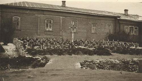 Click image for larger version.  Name:panzer reg 11 graves.jpg Views:102 Size:196.6 KB ID:335683