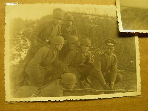 Click image for larger version.  Name:paratroops.jpg Views:88 Size:227.7 KB ID:336649