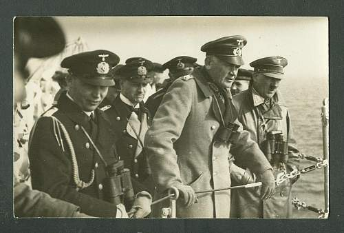 Tall General next to Hitler