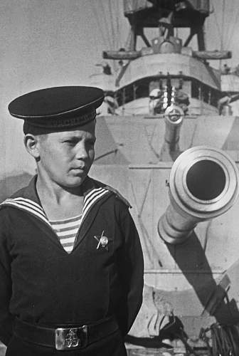 Click image for larger version.  Name:young_cruisers_redcaucasus_sevastopol_1944_1.7zuzbp0a0gcosko0k0400gwk4.ejcuplo1l0oo0sk8c40s8osc.jpeg Views:204 Size:146.2 KB ID:361842