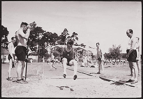 Click image for larger version.  Name:SSsportsDay07.jpg Views:58 Size:207.4 KB ID:387729