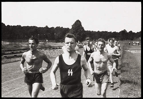 Click image for larger version.  Name:SSsportsDay01.jpg Views:85 Size:254.5 KB ID:390827