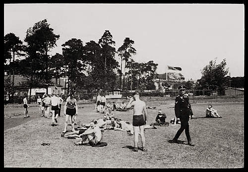 Click image for larger version.  Name:SSsportsDay04.jpg Views:67 Size:287.8 KB ID:390830