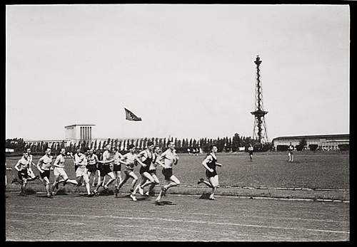 Click image for larger version.  Name:SSsportsDay05.jpg Views:54 Size:228.9 KB ID:390831