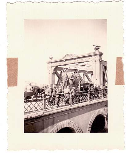 Assistance with Id'ing Fake Photographs