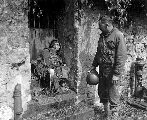 Click image for larger version.  Name:Dead_German_soldier_in_Cherbourg.jpg Views:390 Size:253.5 KB ID:40976