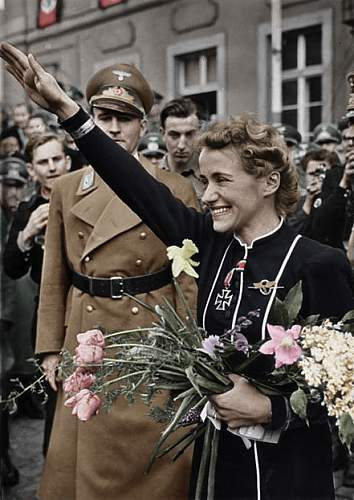 Click image for larger version.  Name:441px-Bundesarchiv_Bild_183-B02092,_Hanna_Reitsch copy.jpg Views:238 Size:214.1 KB ID:419997