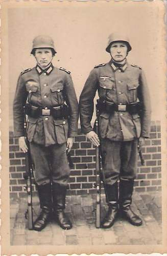 Click image for larger version.  Name:German WWII soldiers 004.jpg Views:86 Size:38.3 KB ID:421540