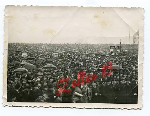 pre war rally/meeting : uniforms to ID