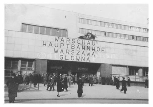 Click image for larger version.  Name:Warszawa_WW2-Railway_station2.png Views:123 Size:161.7 KB ID:503549