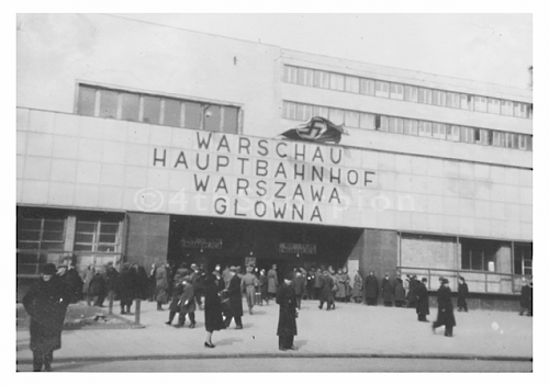 Click image for larger version.  Name:Warszawa_WW2-Railway_station2.png Views:116 Size:161.7 KB ID:503549