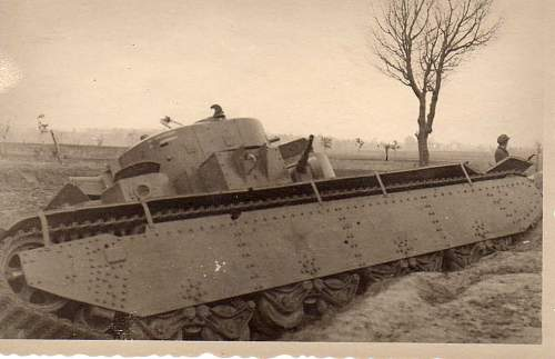 Click image for larger version.  Name:heavy artillary&tanks059.jpg Views:95 Size:51.5 KB ID:52273