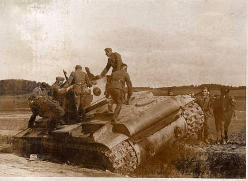 Click image for larger version.  Name:heavy artillary&tanks056.jpg Views:90 Size:84.0 KB ID:52275