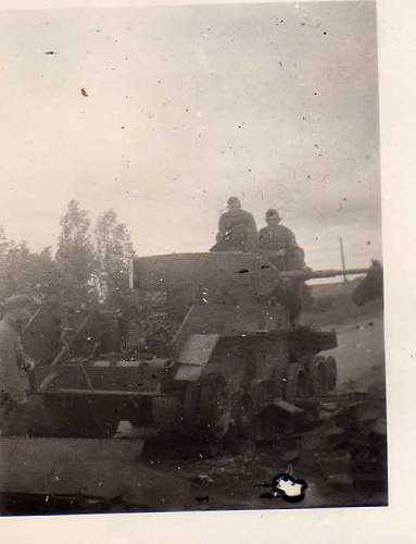 Click image for larger version.  Name:heavy artillary&tanks061.jpg Views:101 Size:21.1 KB ID:52278