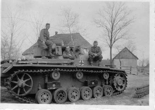 Click image for larger version.  Name:heavy artillary&tanks063.jpg Views:110 Size:46.8 KB ID:52280