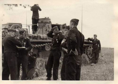 Click image for larger version.  Name:heavy artillary&tanks064.jpg Views:89 Size:59.2 KB ID:52281