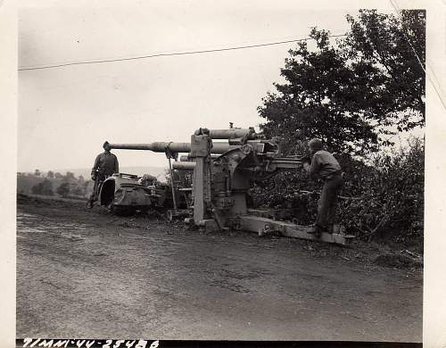 Click image for larger version.  Name:heavy artillary&tanks075.jpg Views:1061 Size:171.4 KB ID:53410