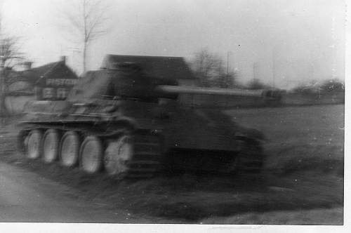 Click image for larger version.  Name:heavy artillary&tanks076.jpg Views:620 Size:38.8 KB ID:53411