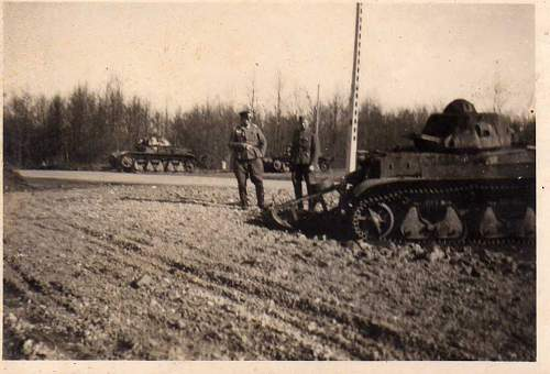 Click image for larger version.  Name:heavy artillary&tanks078.jpg Views:304 Size:61.2 KB ID:53413