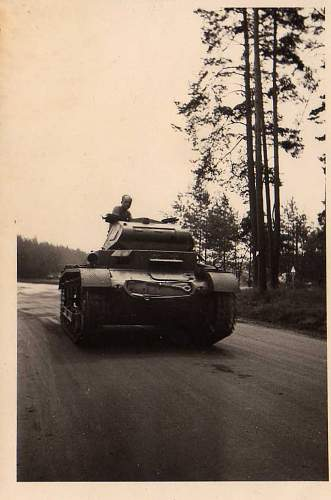 Click image for larger version.  Name:heavy artillary&tanks2098.jpg Views:215 Size:128.9 KB ID:53433