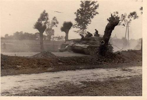 Click image for larger version.  Name:heavy artillary&tanks2105.jpg Views:543 Size:71.4 KB ID:53440