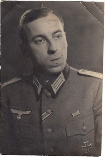 Click image for larger version.  Name:WW2 Wehrmacht Officer.jpg Views:3712 Size:130.0 KB ID:542051