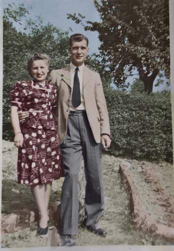 Click image for larger version.  Name:mamma%20and%20granddad copy.jpg Views:21 Size:212.9 KB ID:551086