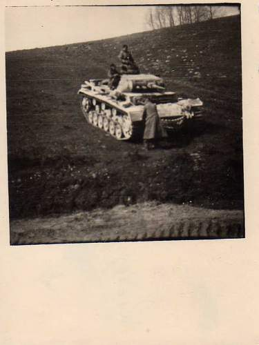 Click image for larger version.  Name:heavy artillary&tanks3005.jpg Views:159 Size:39.1 KB ID:57728