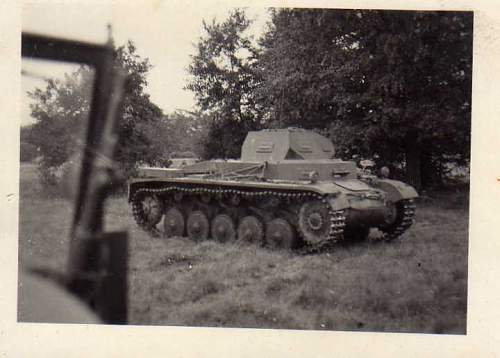 Click image for larger version.  Name:heavy artillary&tanks3011.jpg Views:138 Size:32.9 KB ID:57734