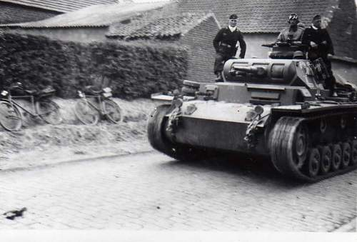 Click image for larger version.  Name:heavy artillary&tanks3016.jpg Views:151 Size:50.7 KB ID:57739