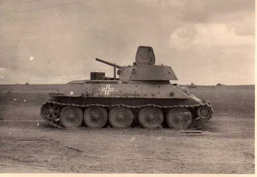 Click image for larger version.  Name:heavy artillary&tanks3021.jpg Views:269 Size:51.6 KB ID:57744