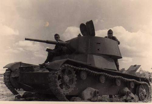 Click image for larger version.  Name:heavy artillary&tanks3022.jpg Views:159 Size:45.3 KB ID:57745