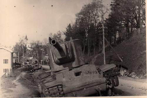 Click image for larger version.  Name:heavy artillary&tanks3023.jpg Views:165 Size:69.8 KB ID:57746
