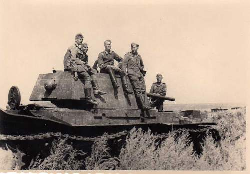 Click image for larger version.  Name:heavy artillary&tanks3025.jpg Views:173 Size:62.7 KB ID:57748